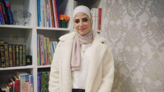 Julyana Al-Sadeq, Atlit Yordania Yang Mirip Lady Gaga